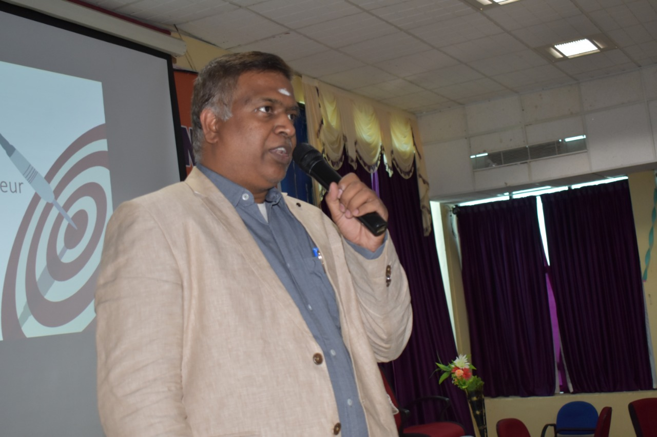 Rtn. Sambasivam Sathyamoorthy, delivering special lecture during Entrepreneurship Awareness Camp 2018 in MAM College of Engineering, Trichy